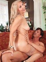 Chery Leigh - Chery Leigh's first time