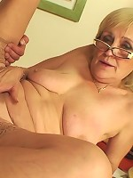 After finding porn on her computer he wants to be inside the sexy granny babe